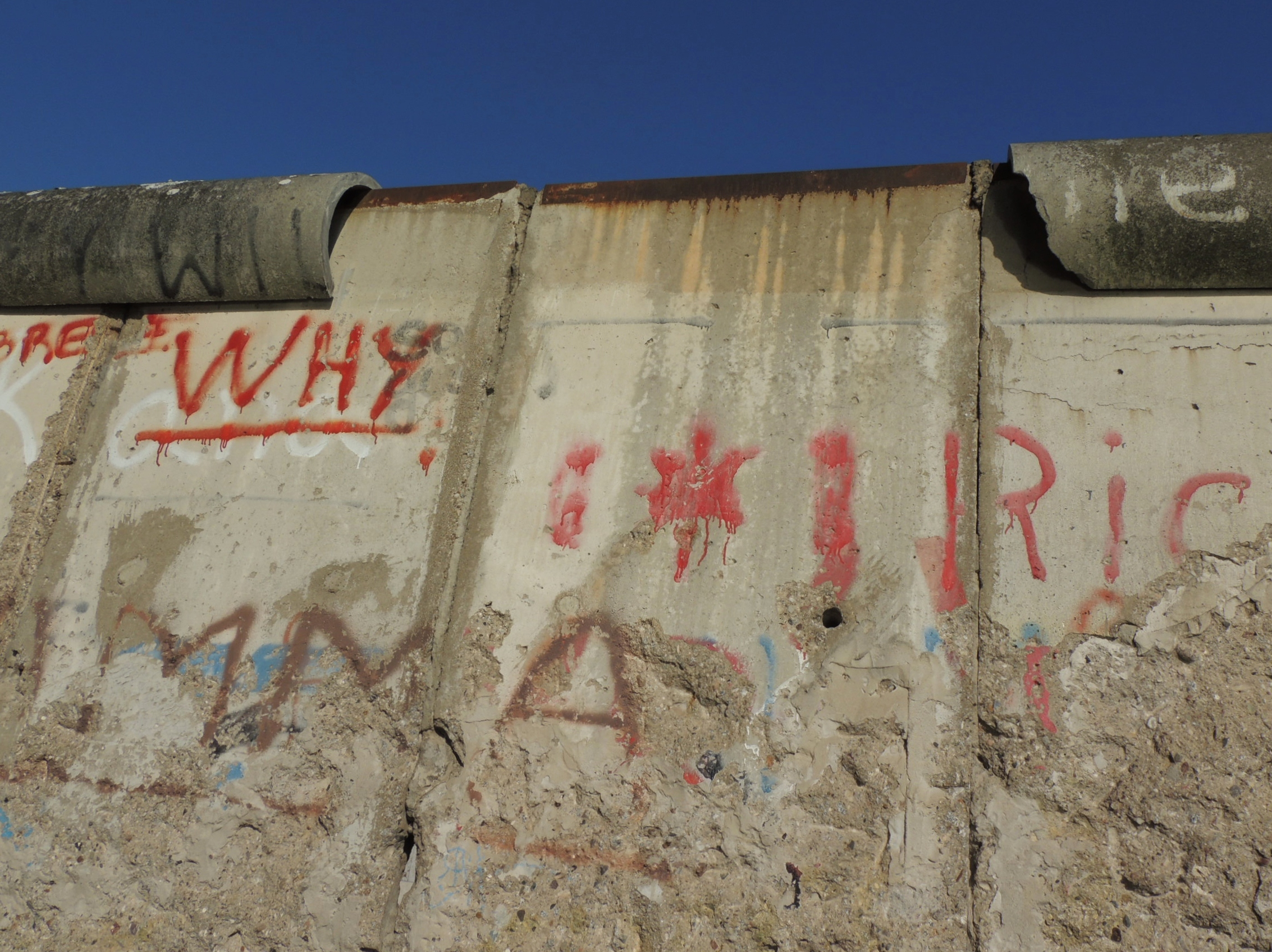 The Crumbling Berlin Wall By Day: Photo Essay | The Travelling ...