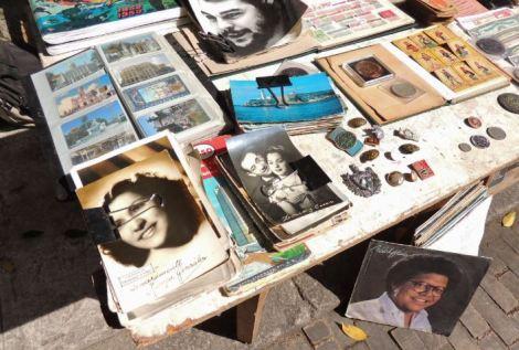 La Habana Plaza de Armas Stall