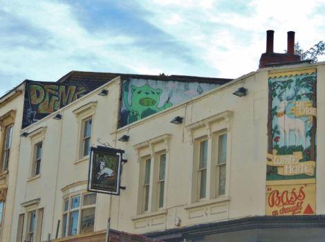 Bristol Graffiti White Harte