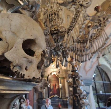 Sedlec Ossuary Visitors