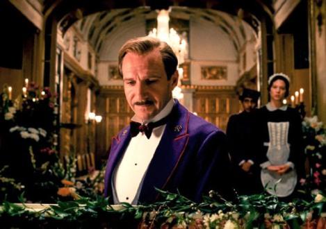 Grand Budapest Schloss funeral Ralph Fiennes