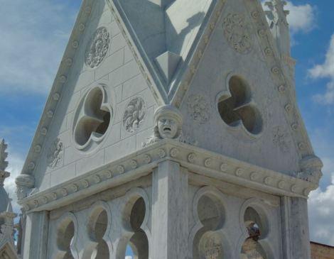 Cementerio Colon Face