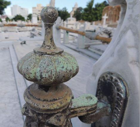 Cementerio Colon Focus